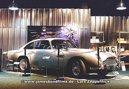 007 ausstellung in hildesheim. Black Bedroom Furniture Sets. Home Design Ideas